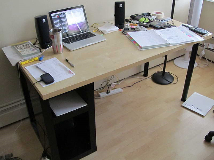 ikea ludvig laptop desk and charging station