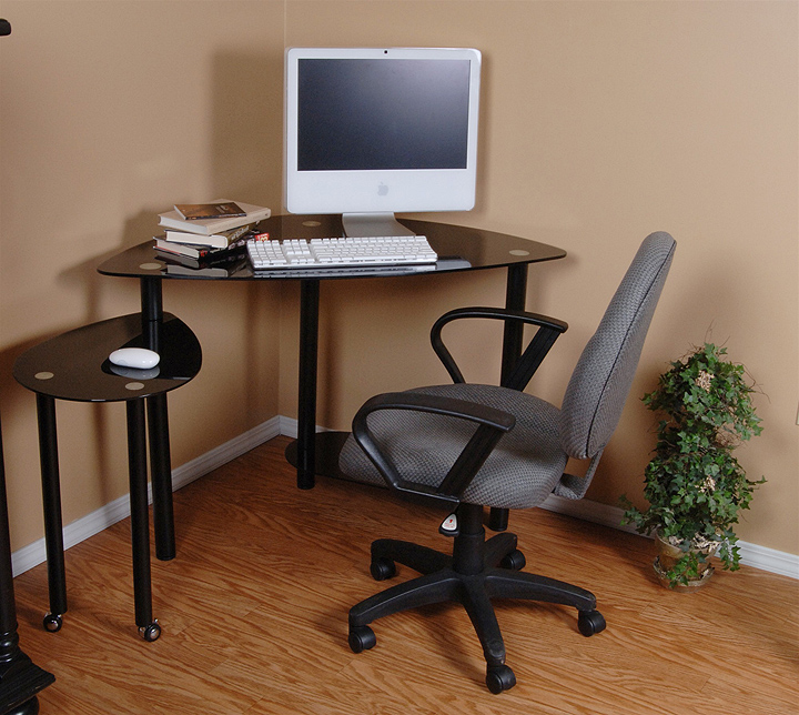Enclosed corner computer desk