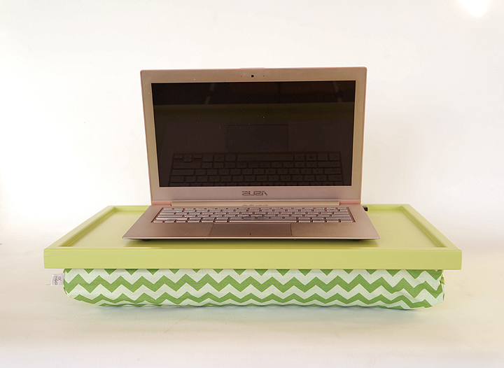 Plastic laptop stand for bed