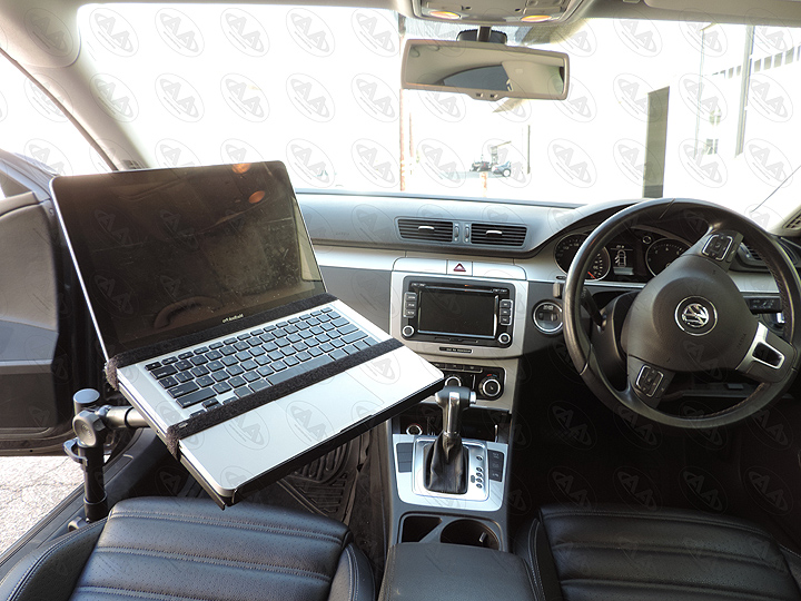Vehicle mounted laptop desk